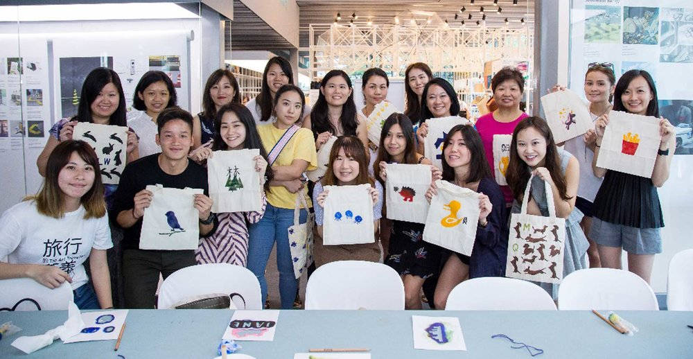 Tote Bag making workshop by Wu Sin-Ru, Taiwan   Using a combination of stamp carving and hand printing techniques, participants discovered how to design, create and print their very own tote bag at this 120 min hands-on workshop.