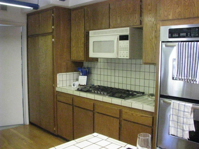Kitchen- Before 2.jpg