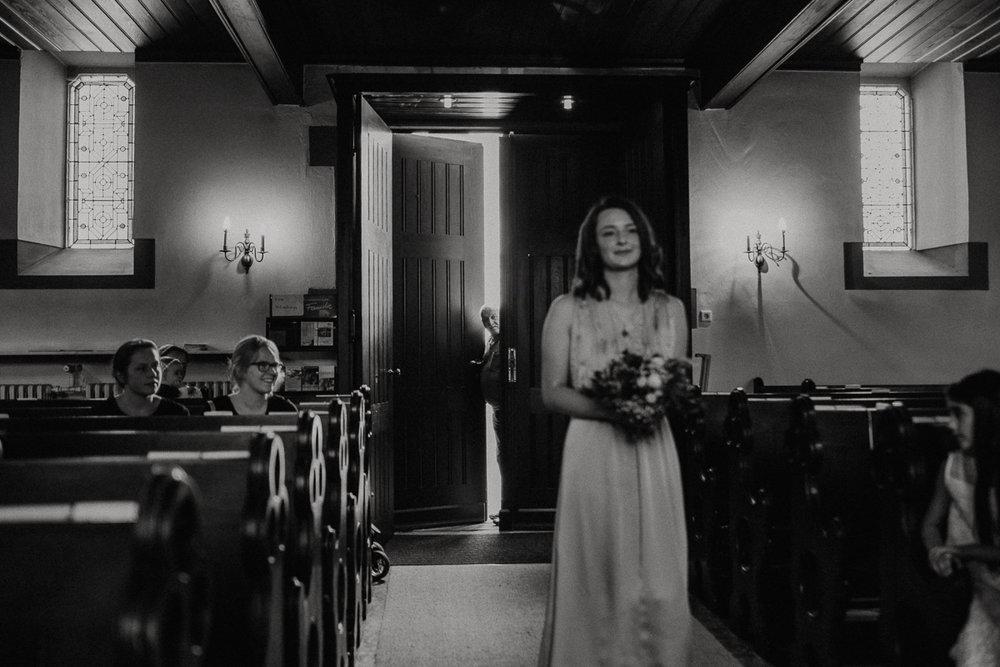 wholeheartedweddings-TimoMatthies-weddingphotography-moody-Melanie-Henrick-Mannheim-039.jpg