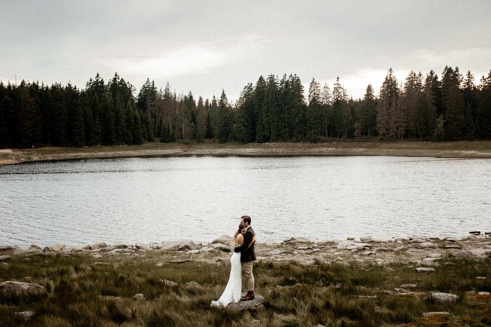 wholeheartedweddings-TimoMatthies-weddingphotography-afterwedding-Leonie-Leonard-harz-boho007.jpg