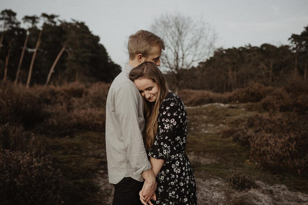 wholeheartedweddings-Timo-Matthies-Henry&Verena-engagement-cologne-sunset-wahner-heide-003.jpg