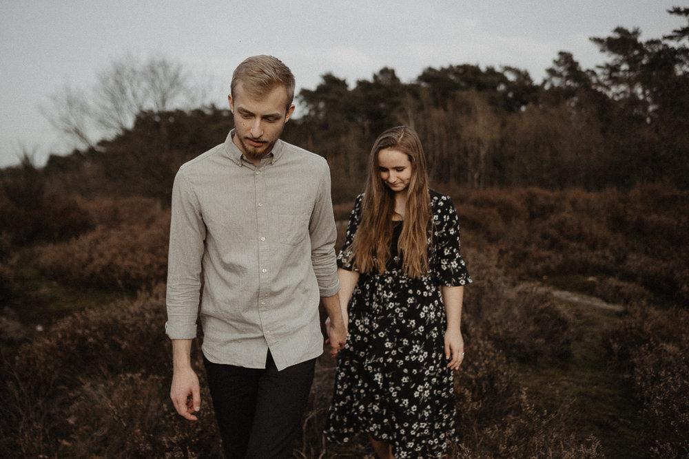 wholeheartedweddings-Timo-Matthies-Henry&Verena-engagement-cologne-sunset-wahner-heide-004.jpg