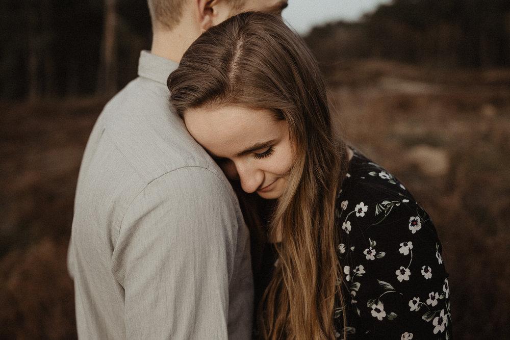 wholeheartedweddings-Timo-Matthies-Henry&Verena-engagement-cologne-sunset-wahner-heide-006.jpg
