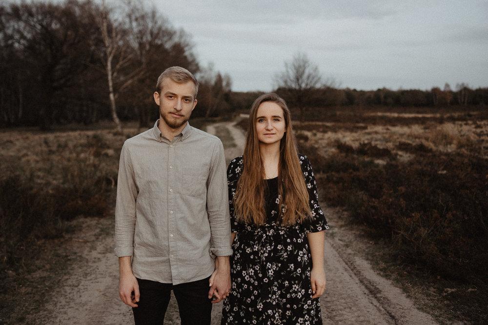 wholeheartedweddings-Timo-Matthies-Henry&Verena-engagement-cologne-sunset-wahner-heide-015.jpg