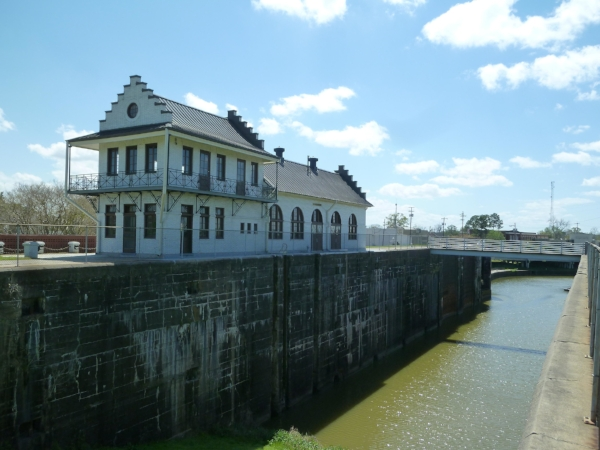 Plaquemine Lock State Historic Site. Photo by Dan Troyka via  Wikimedia Commons .