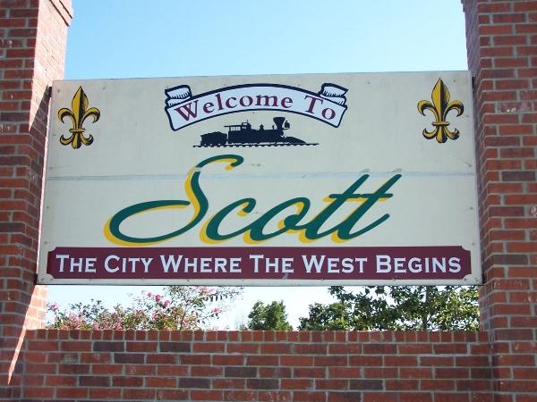 Scott welcome sign. Photo via  Wikimedia Commons .