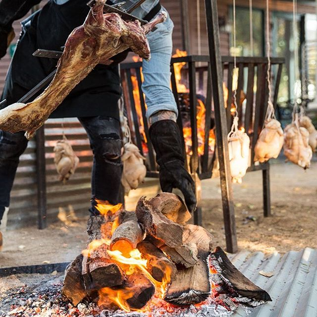 Epic dinners these last few weeks as we roll into harvest season. Fall is a beautiful time to be a chef on a farm, vineyard, orchard, olive grove. Warm afternoons, breezy dinners by firelight and soul warming foods. 🔥🔥🔥🔥🔥🔥🔥🔥 #fireroasted #woodfired #fallcooking #harvestseason #farmtotable #farmsupper #vineyarddinner #locallyraised #eatlocal #weddingcaterer #catering #slowfoodusa #pasturedlamb #pasturedchicken #romanticdinner #knowyourfarmer #meetyourmeat #fieldtofork #feedfeed #forkfeed #pastabyhand #eeeeeats #eaterla #laeats #sandiegoeats #food52 #cookwithfire #coupleswhocooktogether #supportthosewhosupportyou #welcometotheshow