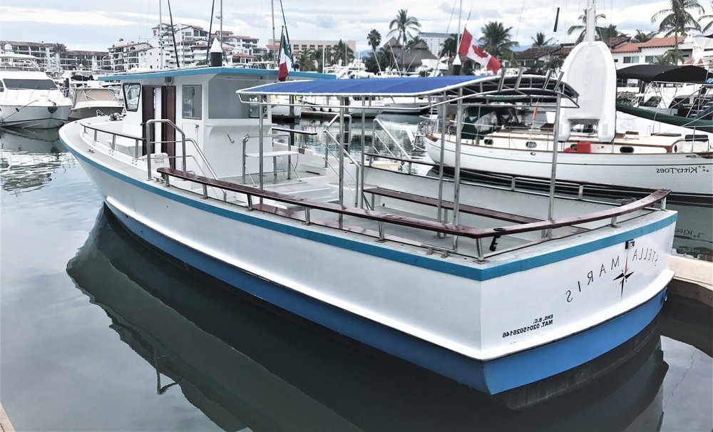 50 Foot Head Boat - Equipped with state of the art equipment and electronics to get you where the fish are. Ladies and Gent´s separate restrooms!