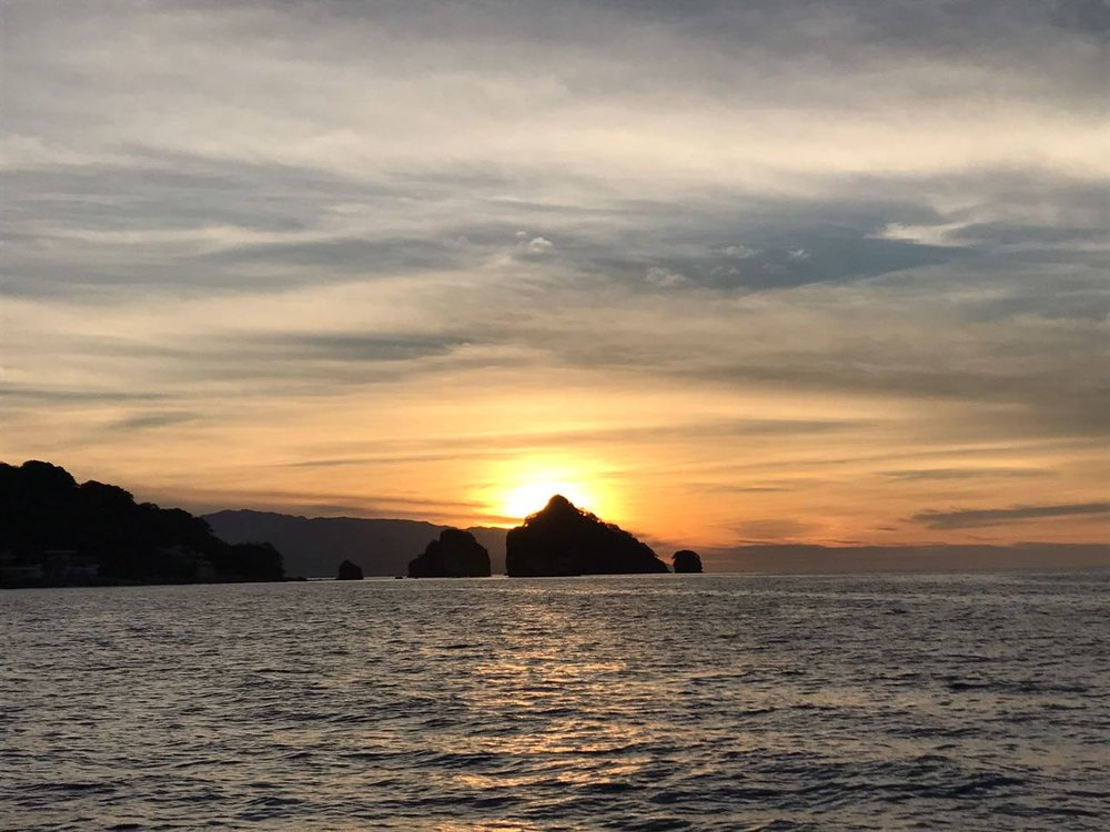 breathtaking views - We will be cruising Banderas Bay from Marina Vallarta to the Malecon. Enjoy the breathtaking views that Puerto Vallarta has to offer!