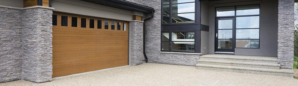 9800-Fiberglass-Garage-Door-Horiz-VGroove-Natural-Oak.jpg