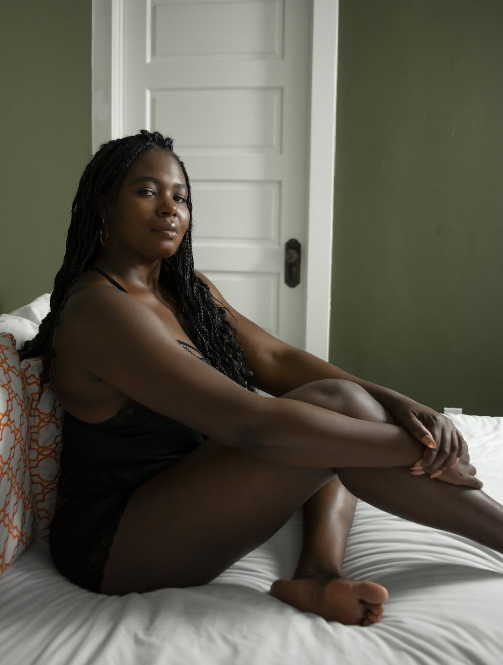 I'm Casey Justine Aksoy.I teach women how to use their orgasm as a tool for self-love. - I believe that living fully connected to your body is the only way to experience life with full self-expression. I also believe that your relationship with your body and your Self is one of the most important relationships you will ever have.