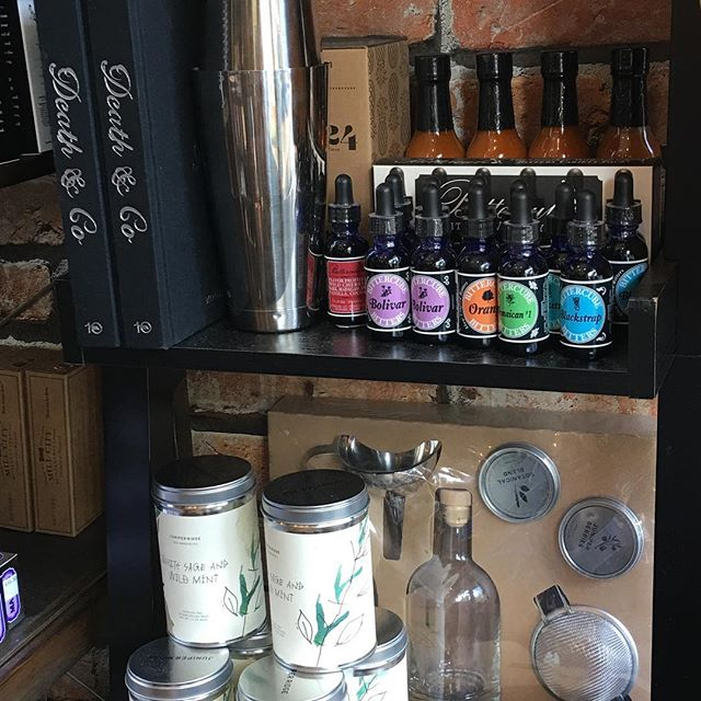 @fellas_salon You can get your Dad amazing gifts for this Fathers Day!! An eclectic assortment here at the Haberdashery. Craft cocktail books by the famous Death & Co bar in NYC, bitters, gin kits, professional cocktail shakers & cry baby Craig hot sauce!! These gifts right here ensure you get the party started this Father's Day!! #stpaul #fathersday #fellashaberdasheryandsalon