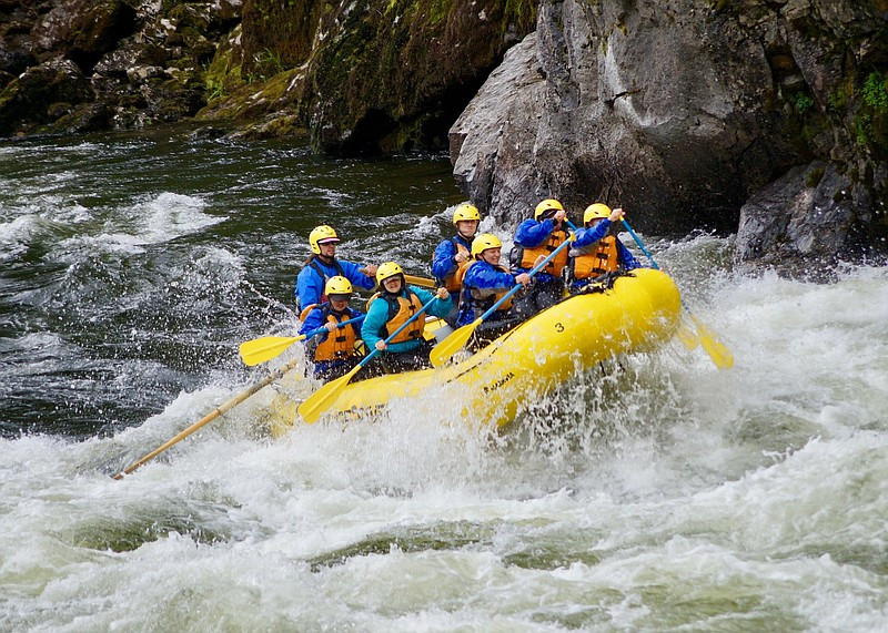 Spotlight_-_UYLC_whitewater_rafting_t800.jpg