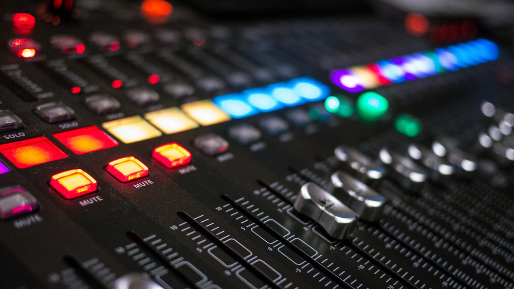 X32-BEHRINGER-MIXING-CONSOLE.jpg