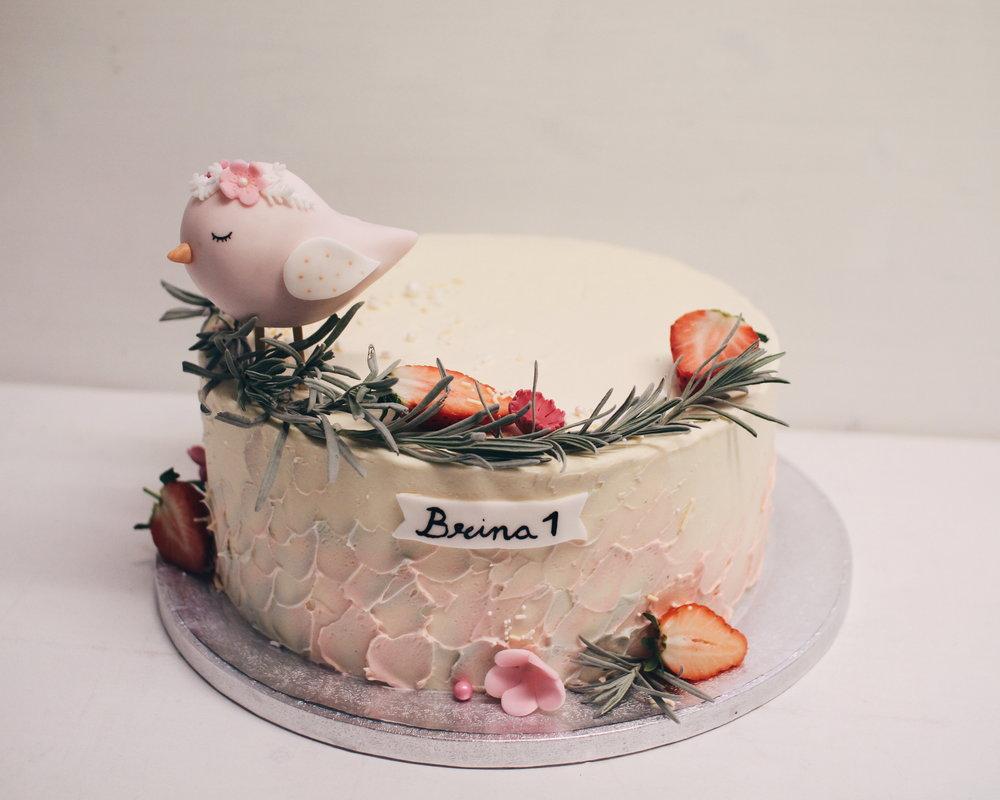 Otroška torta za deklico.