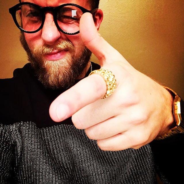H A P P Y 🥂 N E W ✨ Y E A R  #goldhutty