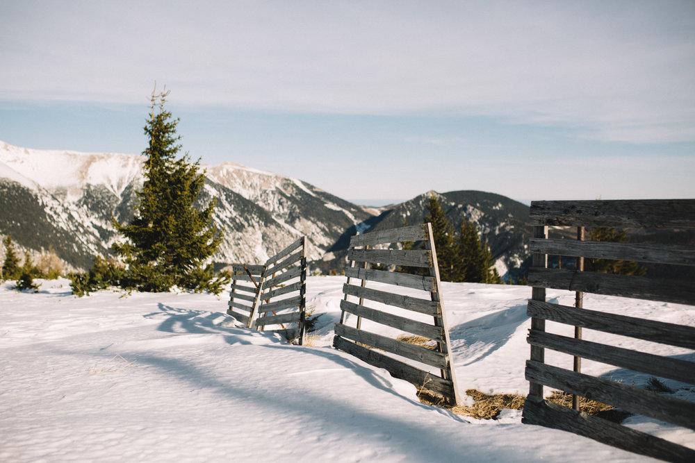 Moutain Winter Wedding-16.jpg