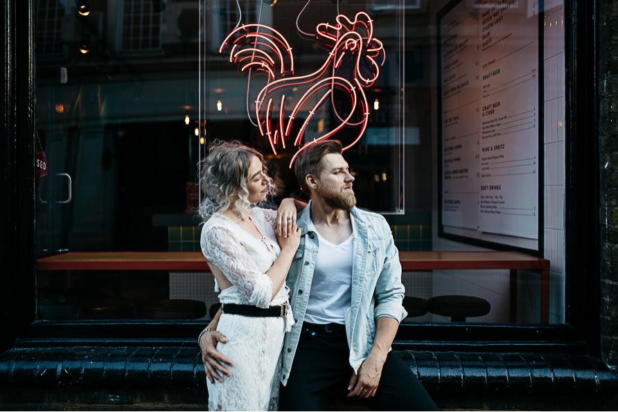 urban_boho_engagement_couple_photoshoot_London-02.jpg