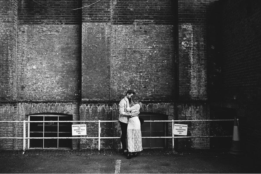 urban_boho_engagement_couple_photoshoot_London-20.jpg