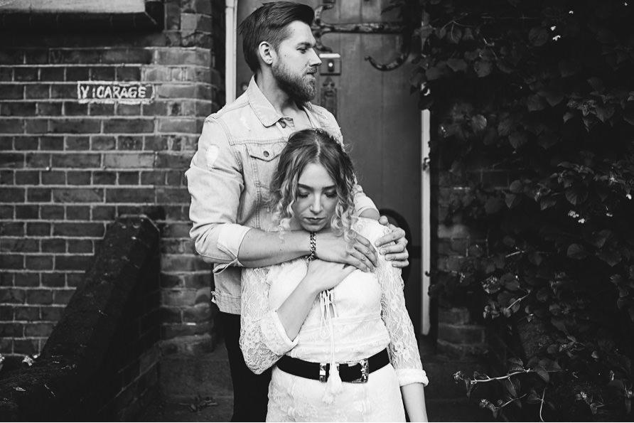 urban_boho_engagement_couple_photoshoot_London-22.jpg