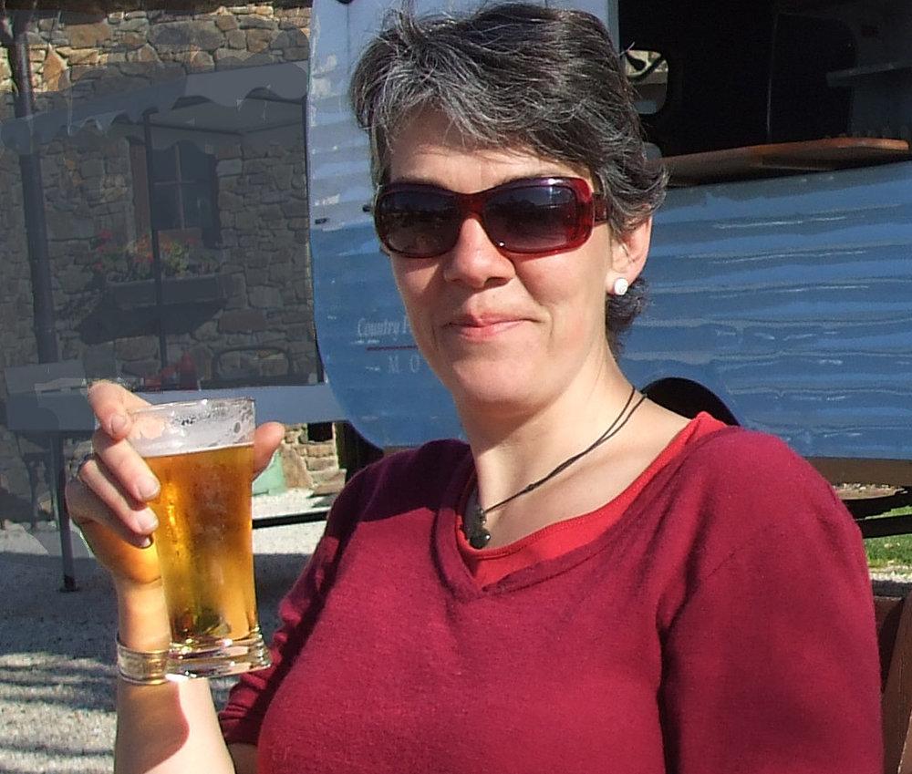 Silvia&Beer.jpg