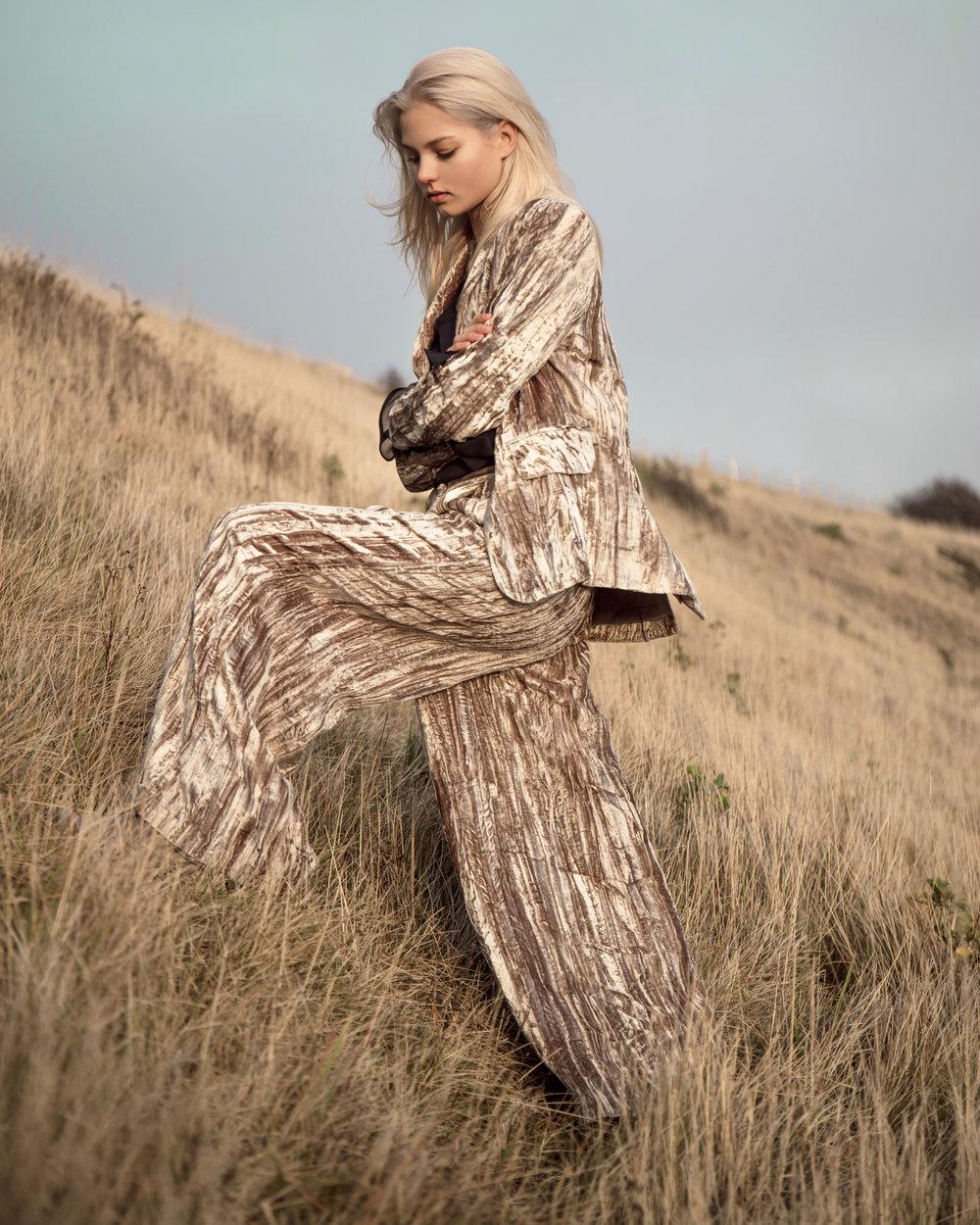 Alesya Kafelnikova (Elite Models) for Contributor Magazine