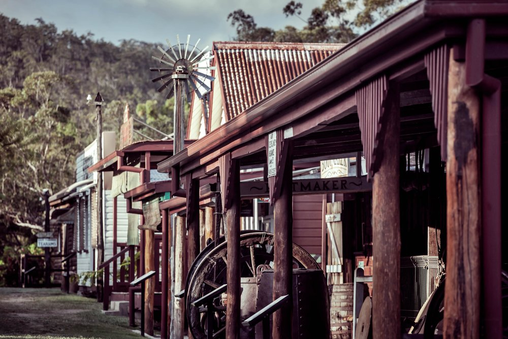Pioneering history - Take a trip back in time to see what life was like for the pioneers of North Queensland.Learn about the long forgotten towns, mines and industries that shaped the region we live in today.Hear stories of fortunes won and lost and the daily happenings of life for early European settlers