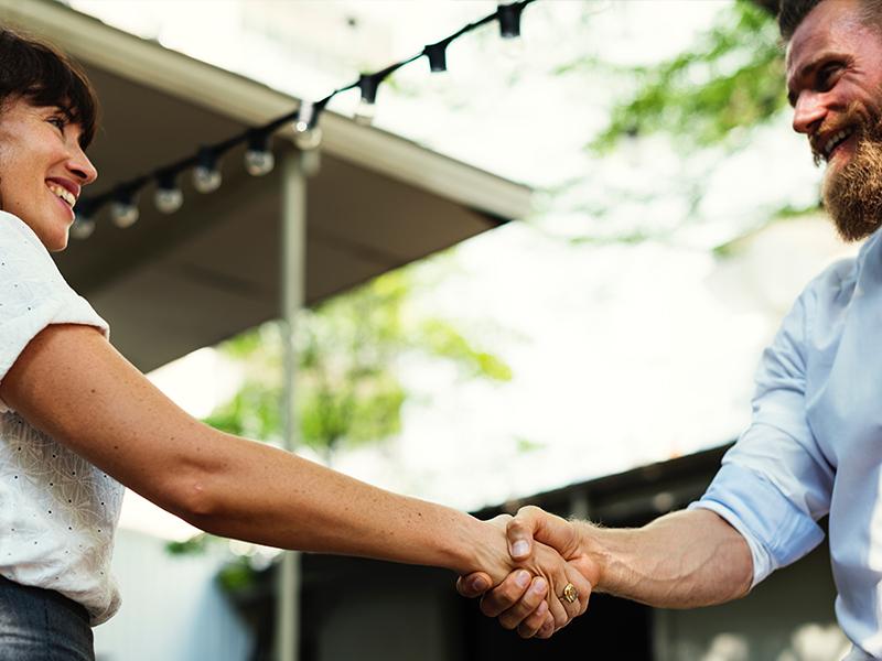 Behöver du hjälp att hitta medarbetare? - Låt oss underlätta din vardag. Vi förstår behoven och hittar snabbt och effektivt rätt kompetens.