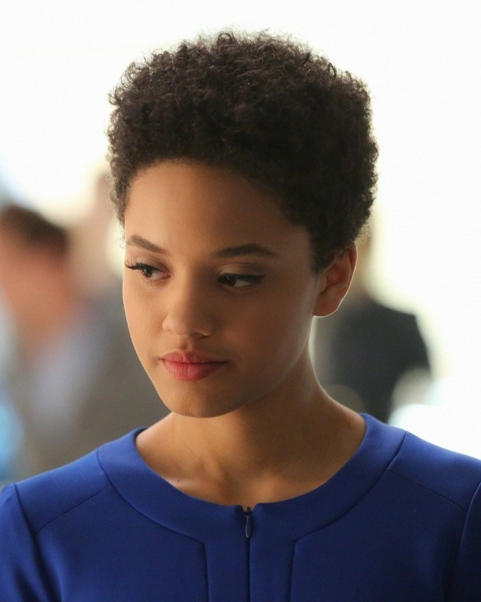 KIERSEY CLEMONS - Kiersey Clemons is making a faux-moss merkin when she runs into a minor snag.