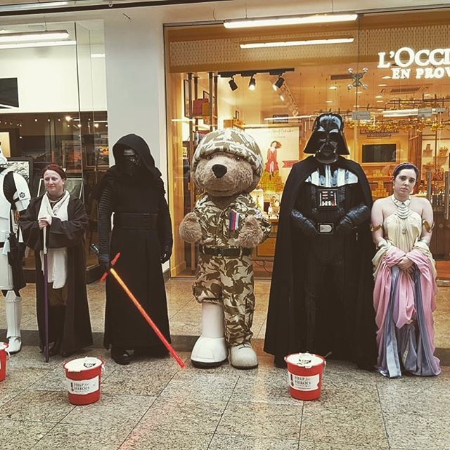 We out out at #meadowhall collecting for #charity #helpforheroes #99thgarrison  #remembrancesunday