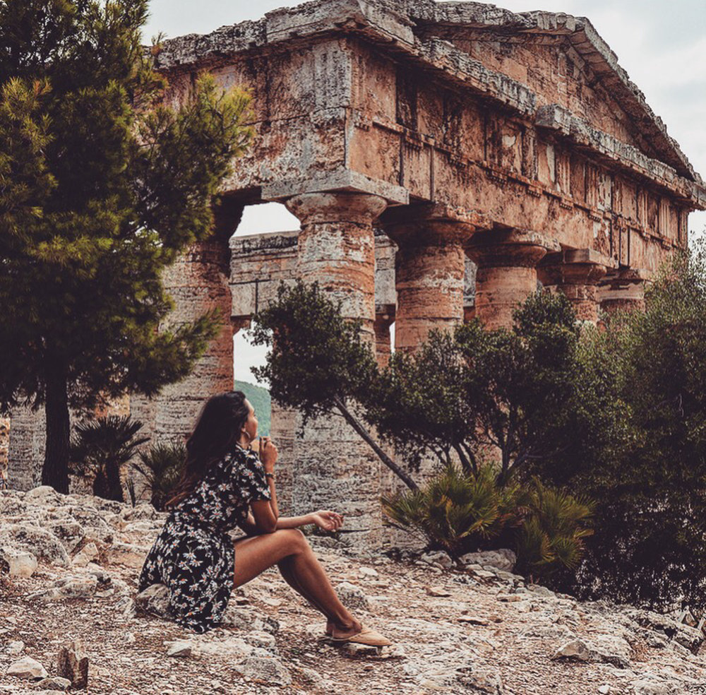 Sicily - Septembre 2017:Mia Dolce vita - it was the second time for me in Sicily and this last road-trip was magic. I started my journey in Palermo and visited Marsala, Agrigente, Caltagirone, Ragusa, Modica, Syracusa, Catania, Taormina... and all the beautiful spots all around. It was an amazing trip, full of artistic culture, dolces, fashion & good living.