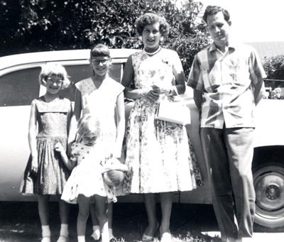 Van der Klift family & car.jpg
