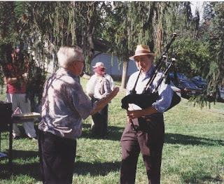 "Mo. Fricke ""conducting"" Steve Bates on bagpipes"