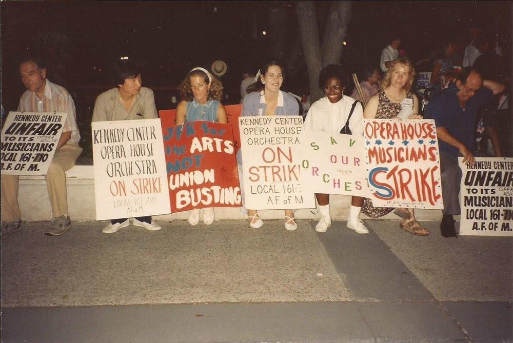 KCOHO musicians on strike in 1993