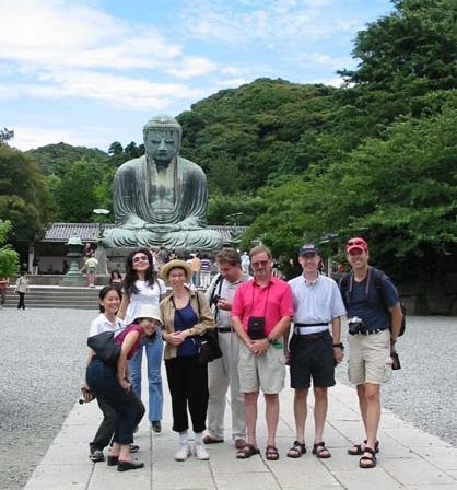 KCOHO musicians sightseeing at the Great Buddha in Kamakura