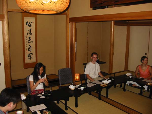 Hornist Peter de Boor dining in Japan
