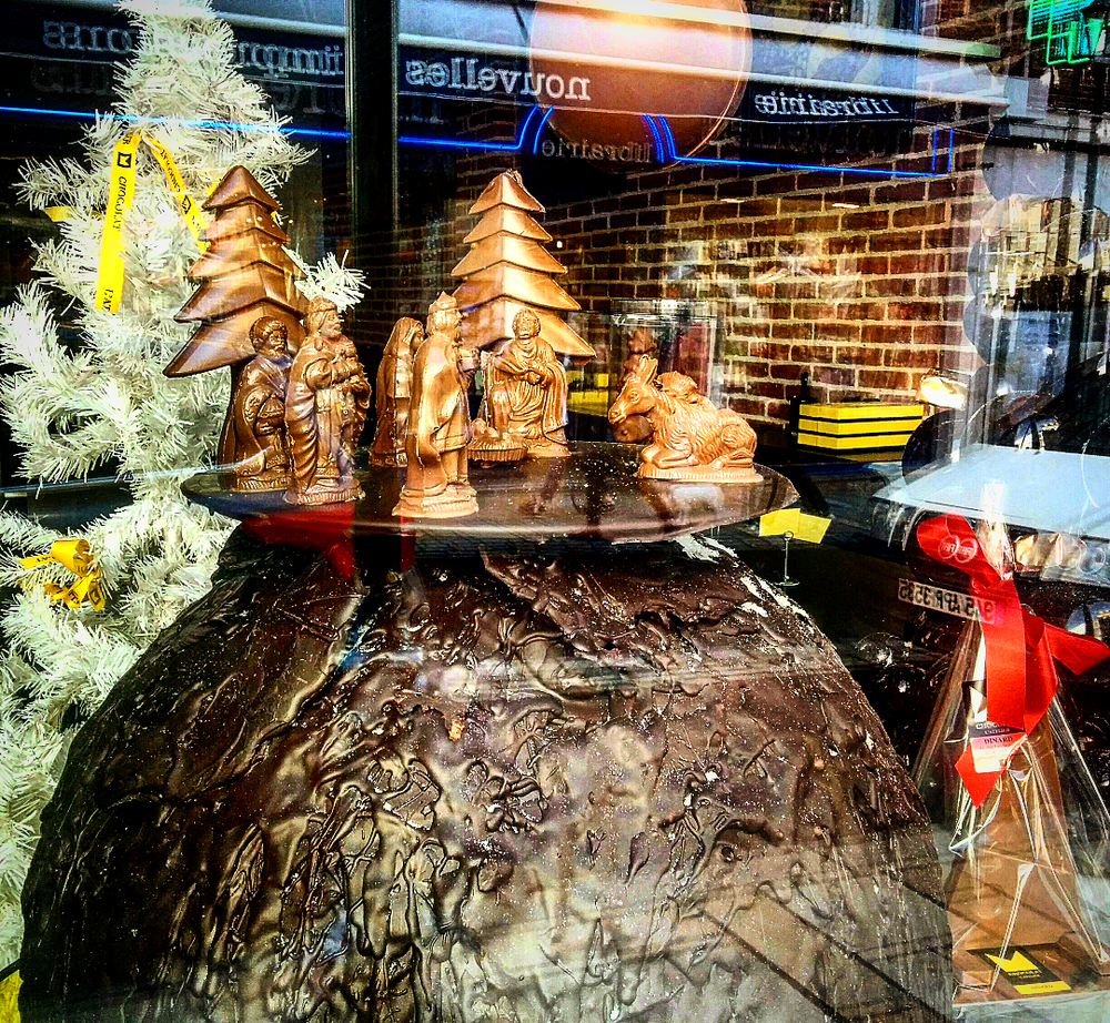 A chocolate lover's dream: The Nativity Scene all in chocolate! Window display - Dinard, France