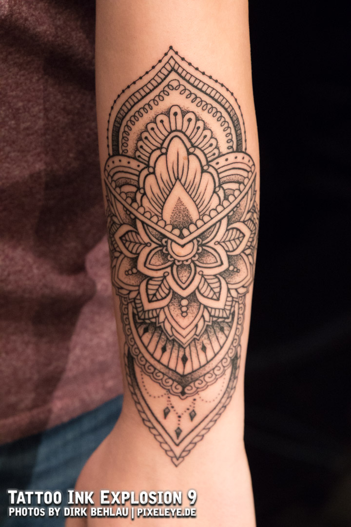 BestOfBlackwork_2Platz_JayBury_AlphaTattoo_Tattoo.jpg