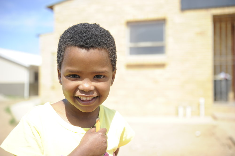 LUO is a non profit organization dedicated to changing the world for the children of Jeffrey's Bay, South Africa.  Through nutrition, medical care, spiritual formation and access to the very best education we believe that these sweet children will have the chance to THRIVE! -