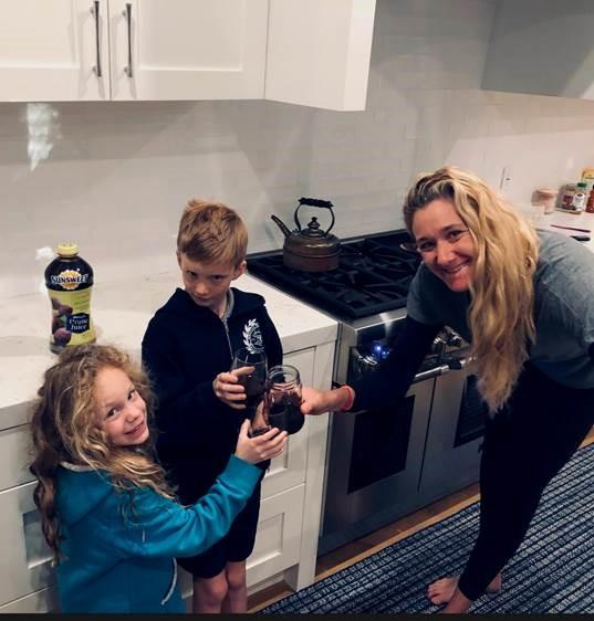 Kerri Walsh Jennings with her kids. (Photo:  Sunsweet ).