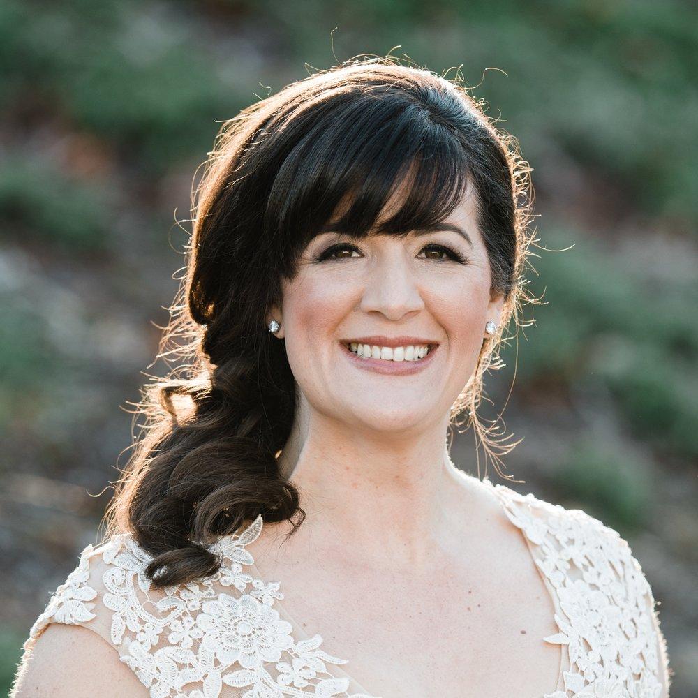 lisa huntington - Simple Wellness CoachHealth EnthusiastPiano InstructorMom to Isabella