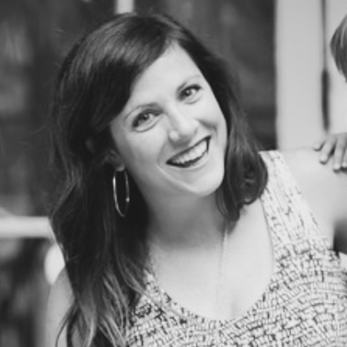 ELIZA BARNETT - Simple Wellness CoachInterior DesignerEnthusiast for being presentLover of all things health, mind and body!