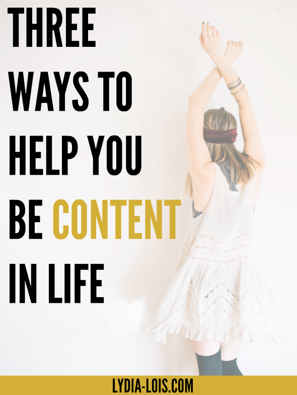 If you want to learn how to be content in life, click through for three ways you can start today! Being content is the first step to living minimally!