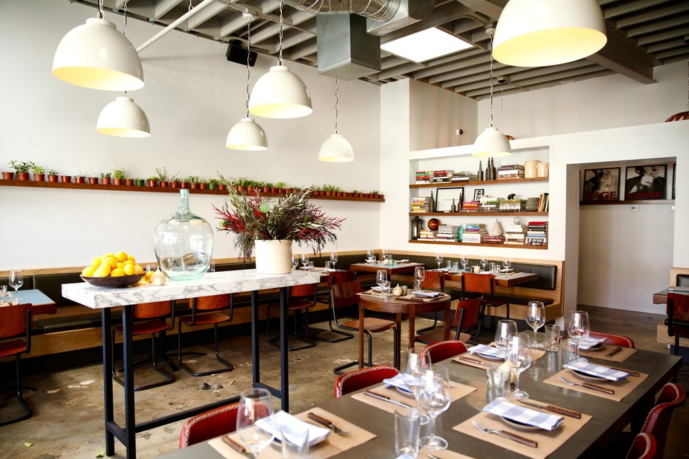 Full Dining Room - 74 Seated / 100 Standing