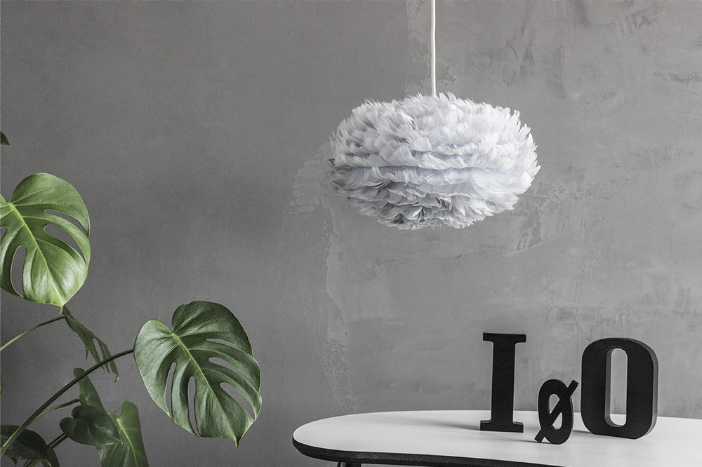 2124_Eos_mini_light_grey_white_cord_letters_environment.jpg