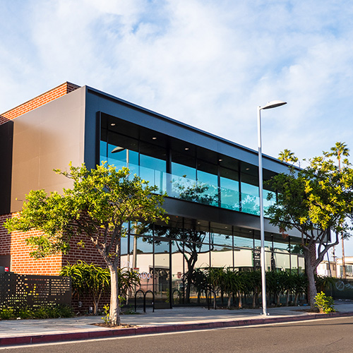 CREATIVE OFFICE SPACE - SANTA MONICA