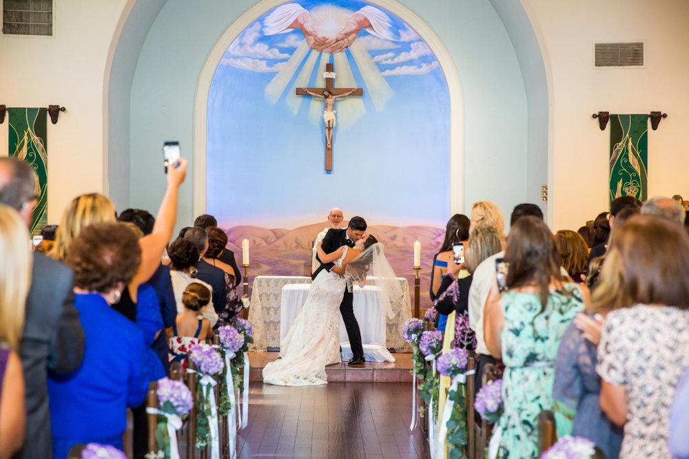 0008St_Angnes_Point_Loma_Wedding_Photographer.jpg