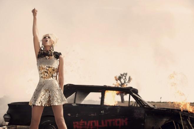 Beyonce-Saturn2-659x439