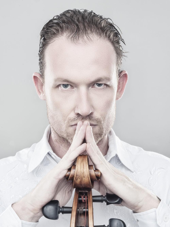 Charles_Brooks_Cellist-1.jpg