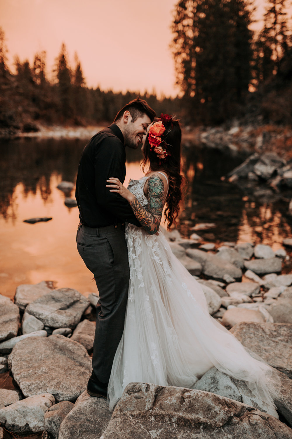 Smile kiss sunset bridal wedding photo shoot spokane